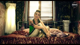 Repeat youtube video Corina feat. Pacha Man - Pernele moi (Official Video)