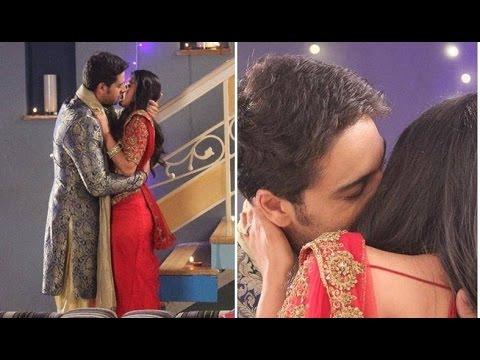 Indian kiss scene video