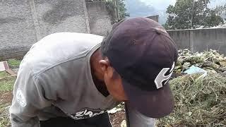 Unang Pamungkas Kerja Bakti Membuang Batu Berangkal by Kamil Reoga