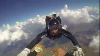 Salto del CASA 212 TR2 Dani Flecha y David Vela