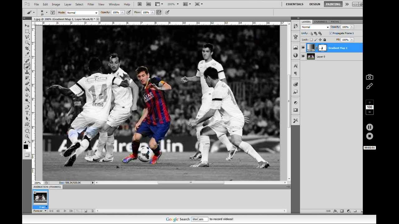 Photoshop tutorial • how to make one object in color and other in black white