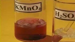 опыты по химии. Отношение полиэтилена к растворам кислот, щелочей и окислителям