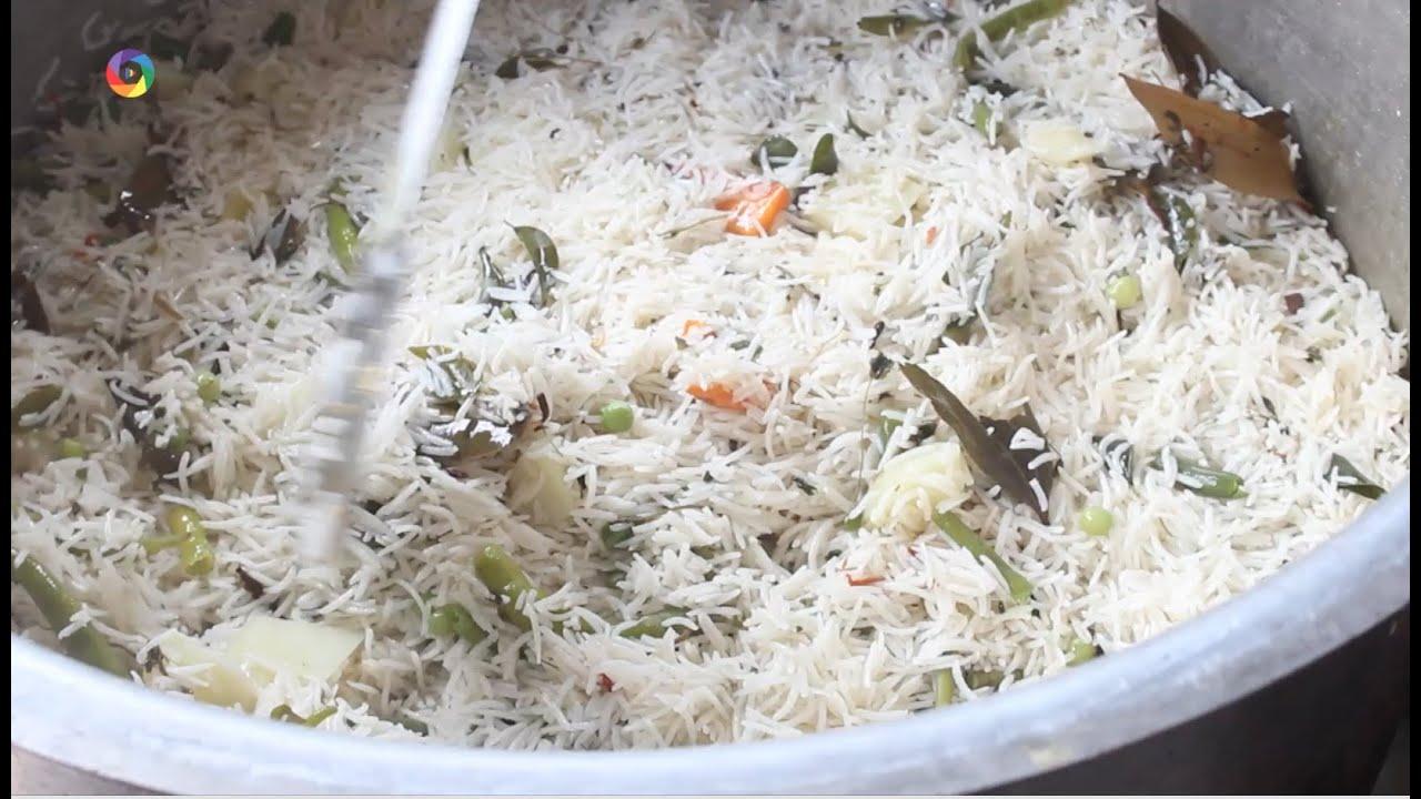 How to make vegetable biryani traditional indian food youtube how to make vegetable biryani traditional indian food forumfinder Image collections