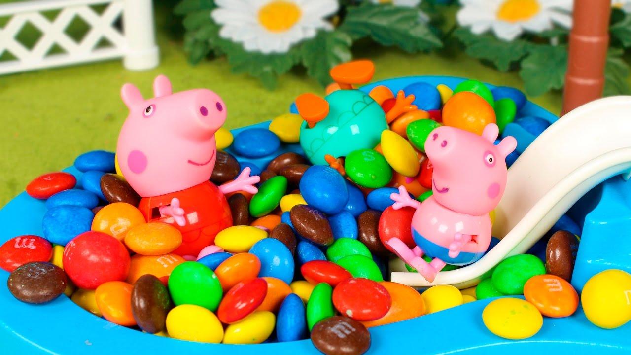 Peppa pig ba o de caramelos en la piscina de peppa pig y for Peppa pig en la piscina