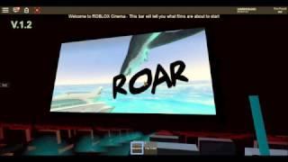 Sorda la película JAWS en una sala de cine Roblox.