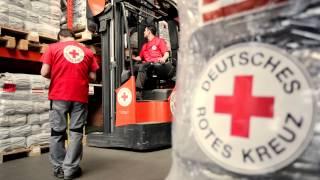 Hilfsgüter-Logistik beim Deutschen Roten Kreuz - vom Flughafen Schönefeld in die Welt