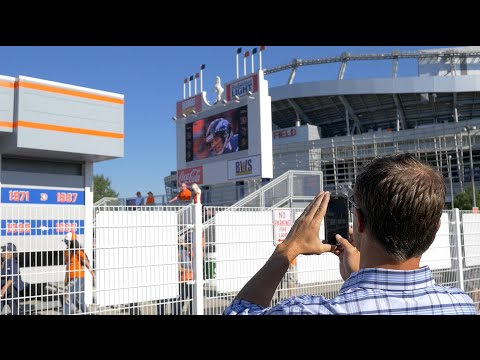 Vic Tours The New Mini Mile High, Reminisces With Fans