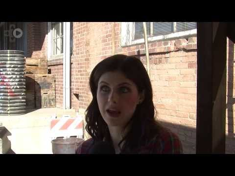 Burying The Ex On Set Interview With Alexandra Daddario