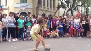 Nhảy Sexy Love của T-ara, cậu bé 8 tuổi