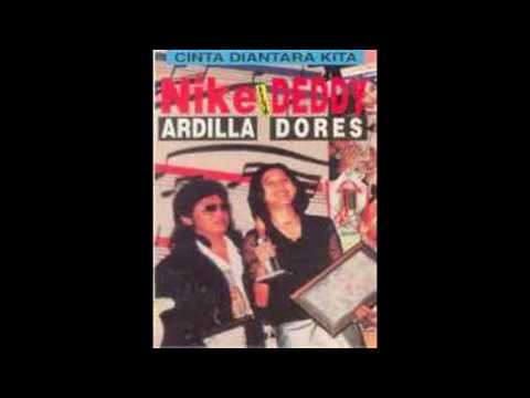 Nike Ardilla & Deddy Dores - Cinta Di Antara Kita