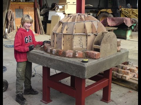 HOW TO BUILD,MAKE A HOMEMADE WOOD FIRED,CLAY BRICK PIZZA OVEN