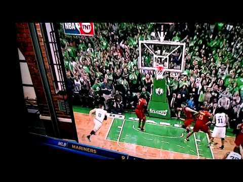 Cedric Maxwell orgasms then gets a sandwich