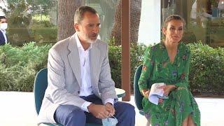 Los Reyes, con agentes sociales durante una visita a Mallorca