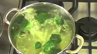 How to Blanch and Parboil Vegetables.flv