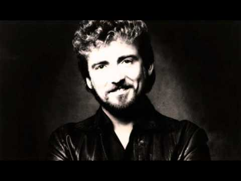 Keith Whitley - Nobody In His Right Mind Would've Left Her