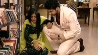 Arjun Arohi - Arohi Hurts Herself Once Again