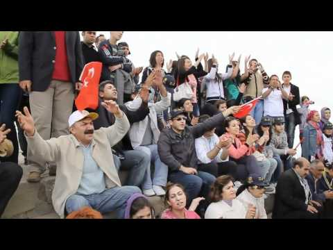YD/AED sing on Nemrut Dag (Nemrut Mountain)