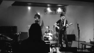 大阪・奈良を中心に活動しているロックバンド「Savin' Grace」のVo.ATSU...