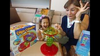 ÇILGIN ÇUBUKLAR , konsantrasyonu iyi olan kazanır , yarışmayı kim kazanacak, eğlenceli çocuk videosu