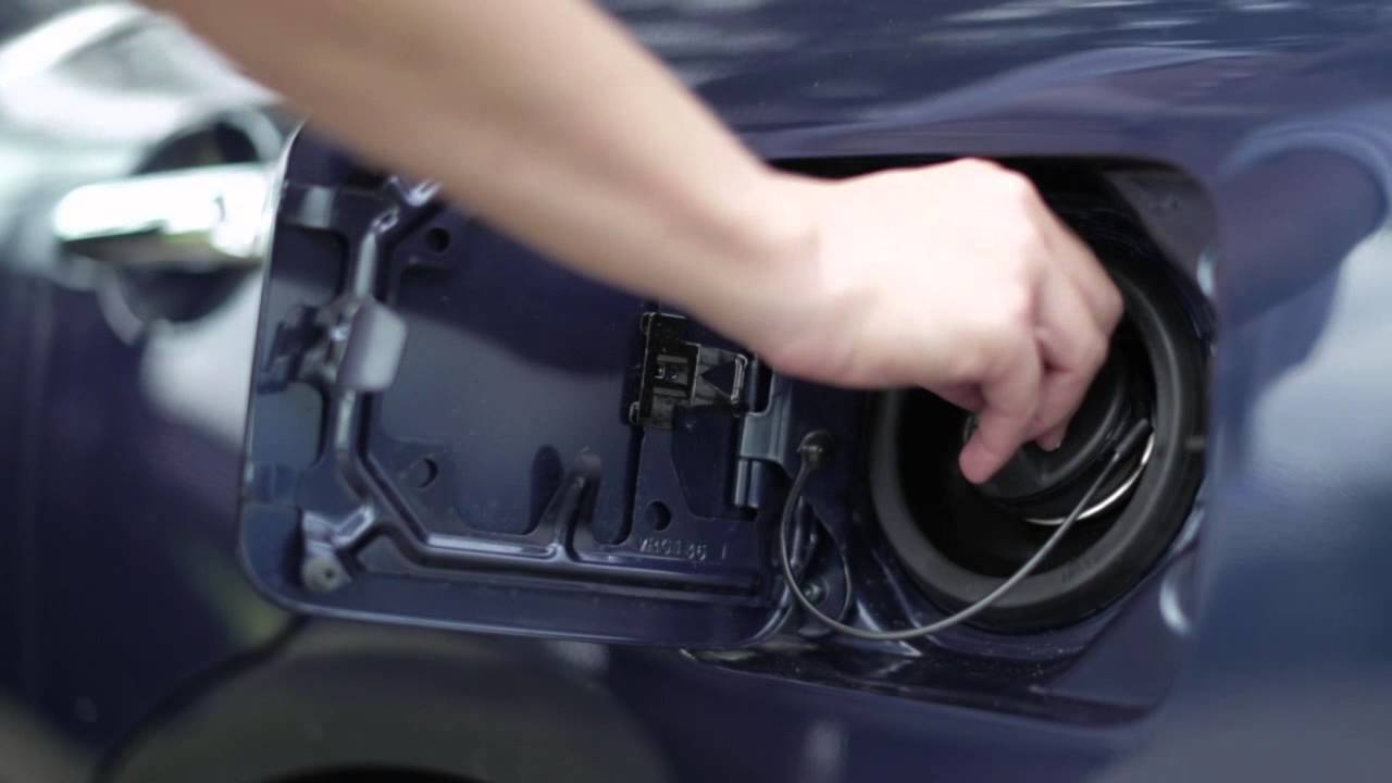 2015 NISSAN Versa Sedan - Fuel Functions - YouTube