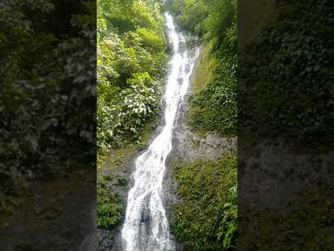 Hermosisima!!! Cascada ....