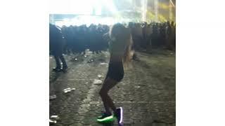 Bailando en el HOLI FEST 🎉   Shuffle   Natty Garcia
