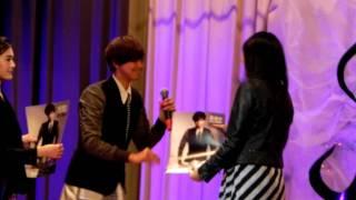 Publication Date: 2011-12-18 | Video Title: 20111216 瑪利曼中學校園演唱: 黃鴻升(小鬼)-自製