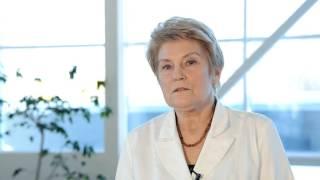 Врач - терапевт высшей категории  Смирнова Лариса Анатольевна