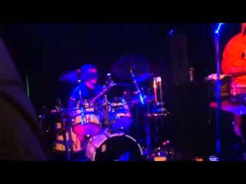 Fonik  drum show  Performing Noisia Shellshock