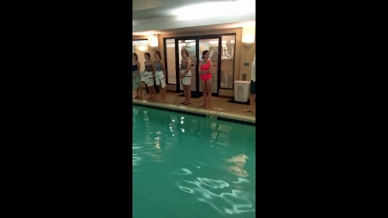 Choir Finds Amazing Acoustics In Hotel Pool