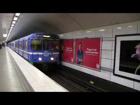 C6 Tunnelbanetåg i Stockholm Tåg på Röda linjen
