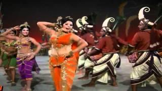 Yeh Kaun Aaj Aaya Mera Dil Churane - Lata - Bandge Haath (1973) - HD