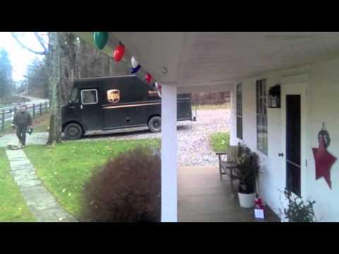 UPS Driver gets jiggy with Christmas tip.