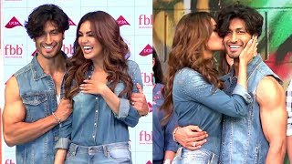 Vidyut Jamwal & Esha Gupta FLIRT With Each Other OPENLY At The FBB Fashion Show