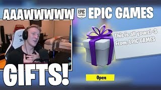 Tfue Emotionally SURPRISED Il a obtenu GIFTS de l'épopée - Ami! (Moments Fortsnite)
