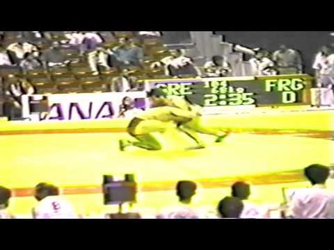 1990 Senior World Championships: 68 kg Georg Schwabenland (FRG) vs. Giorgios Athanassiadis (GRE)