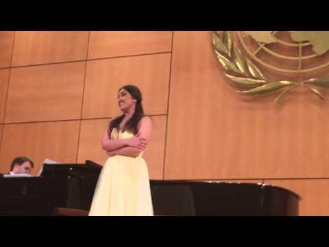 Кристина Мхитарян на сцене Palais Des Nations в Женеве