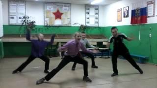 Танец под песню Потому что я Бэтмен