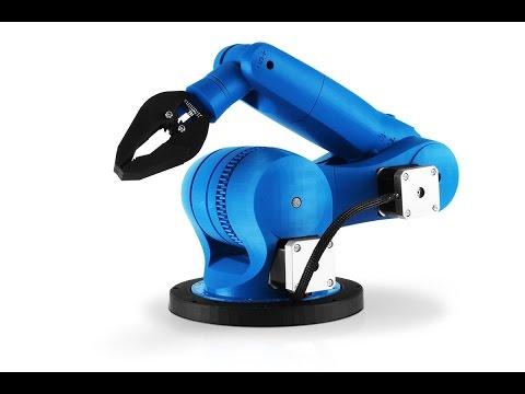 Zortrax M200 3D printer - 3D printed dancing robots
