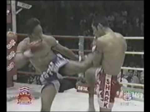 Sangtiennoi Sor Rungroj vs Neungtrakarn Por Muang Ubon Muay Thai part 1