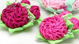 Flores em fita torcida para aplicação