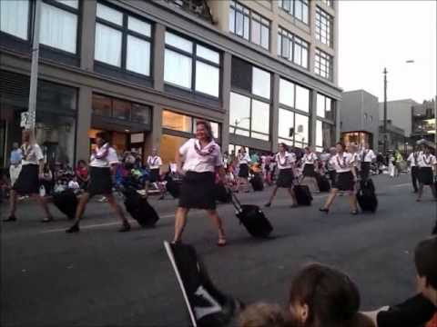 Alaska Airlines Cabin Crew Dance! - Seafair Seattle Torchlight Parade 2011
