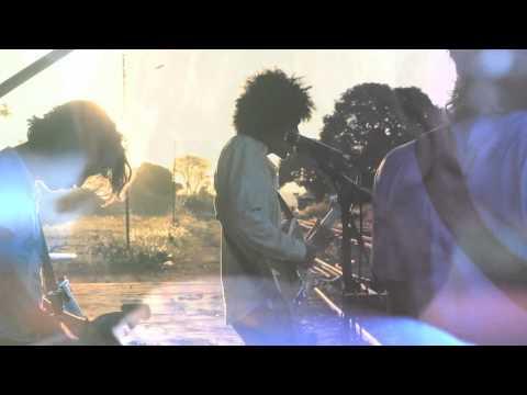 Boogarins - Lucifernandis (Official Video)