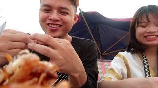 Vũ Liz Vlog || Về Quê Ăn Hải Sản !!