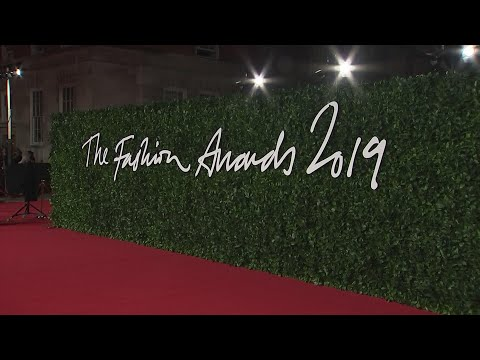 Billy the Kidd - Rihanna and Others Rock the Fashion Awards