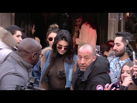 EXCLUSIVE : Kendall Jenner and Bella Hadid go to Avenue restaurant in Paris thumbnail