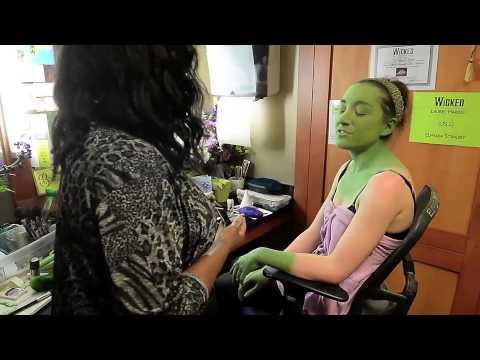 Wicked star Laurel Harris gets