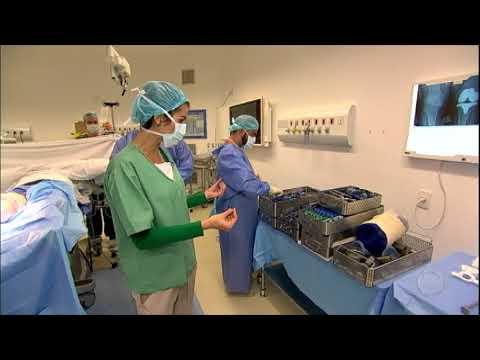 Médicos de hospital em SP usam técnica inédita no tratamento de artrose no joelho