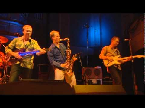 Level 42 - The Sun Goes Down (Live at Reading)