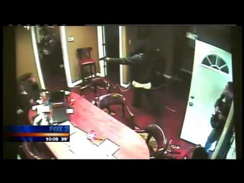 Shootout at Inkster tax preparation business caught on camera - Fox 2 News Detroit